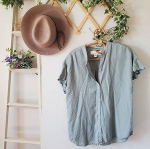 Cloth & Stone sage color tencel  ruffle sleeve top